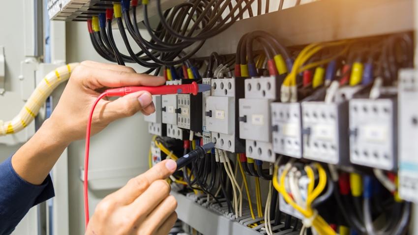 ניקוי לוחות חשמל